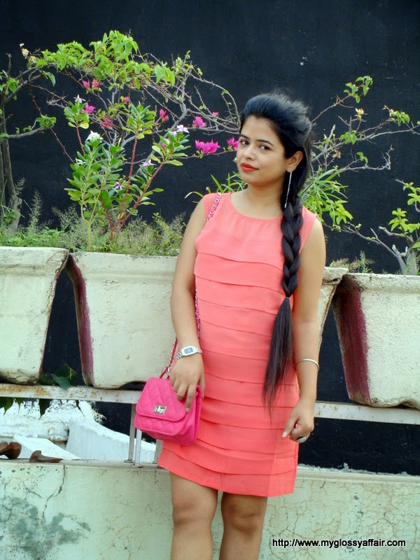 coral dress and pink sammydress bag