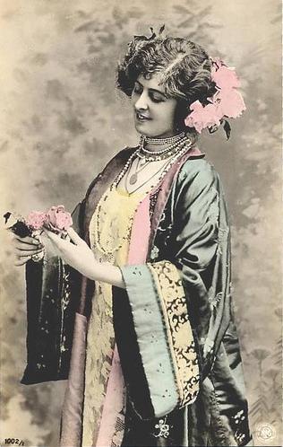 Edwardian Lady in Kimono #edwardian #fashion #kimono #1910s