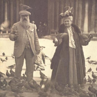 Visits to Venice Monet visited Venice in 1908 with his second wife Alice and they returned the following year. He worked hard during these visits, but is seen here with Alice in lighter mood, feeding the pigeons in St Mark's Square.