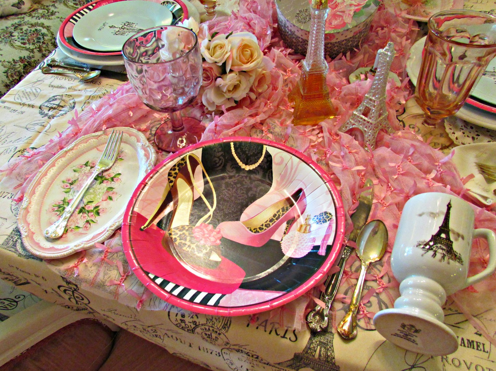 For the table cloth I used a cream and black Paris themed fabric....the table runner is a sheer pink fabric with little satin bows tied on it. & Pennyu0027s Vintage Home: Dreaming of a Paris Luncheon
