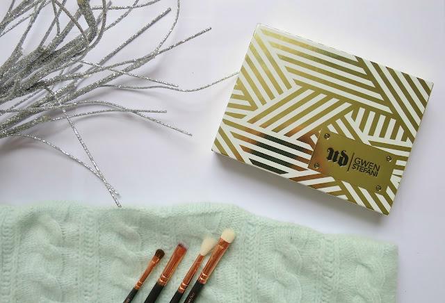 Urban Decay Gewn Stefani Eye Shadow Palette Neutral Favourite Swatch Packaging