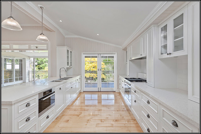 This gorgeous front entry from sarah 39 s house 4 notice the for Queenslander kitchen ideas