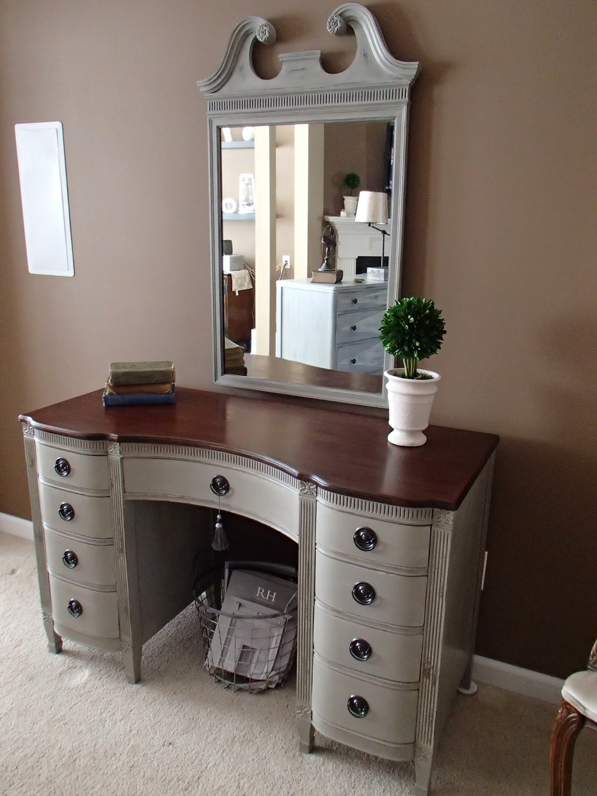 New again vintage vanity for Desks ideas