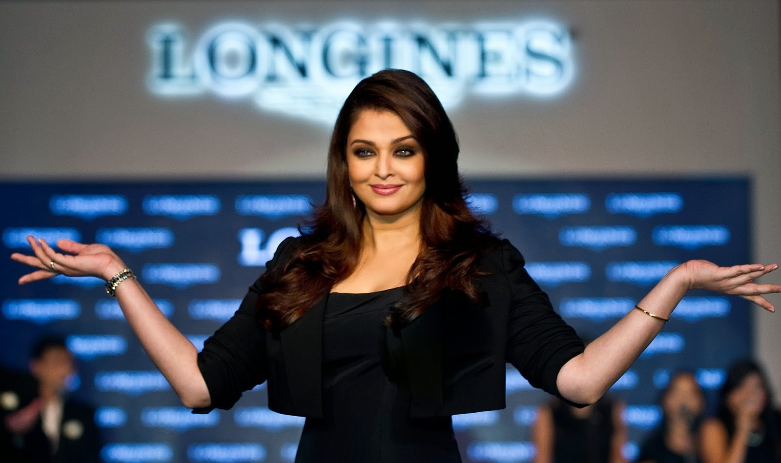 Aishwarya Rai, Bollywood, Bollywood actress, Entertainment, Kaanchi, Mishti, Mishti Photo, Movies, Salman Khan and Mishti, Showbiz, Subhash Ghai, Tall,