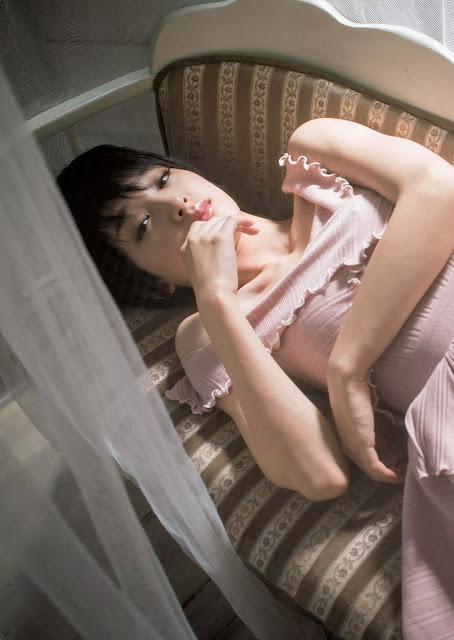 Ayame Gouriki 剛力彩芽 Weekly Playboy October 2015 Pics 4