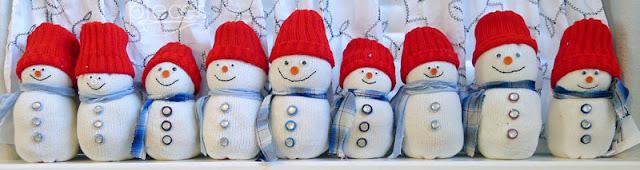 1055-Sock-Snowmen2.jpg