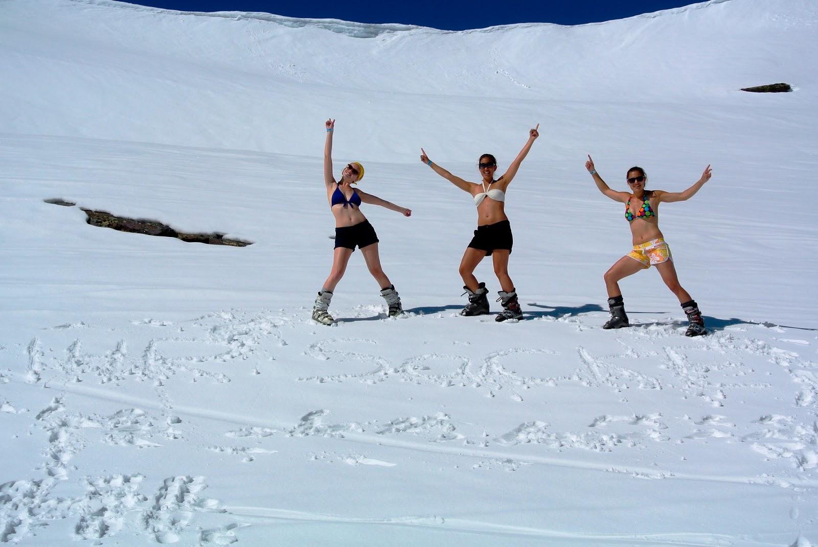 Kleine Füxin In Granada Skifahren Im Bikini