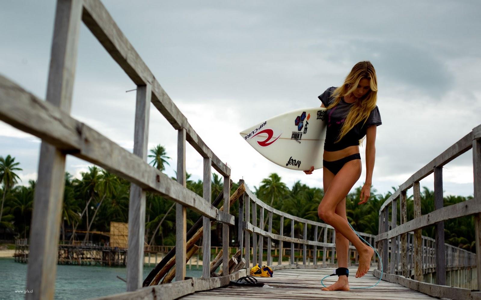 http://4.bp.blogspot.com/-ett8lNlZOZk/Trla6amDt4I/AAAAAAAACRs/uD8-iuTA1TQ/s1600/super-Surfer-Girl.jpg
