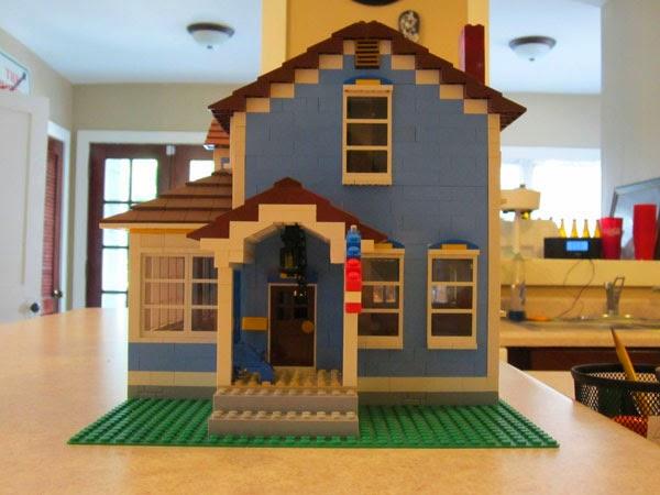 casa con piezas de lego
