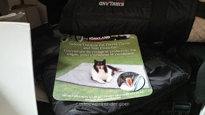 Kirkland Signature Indoor/Outdoor Pet Travel Throw is foldable and portable
