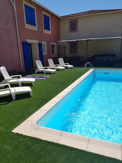Villa olivier - Vue sur la piscine et le spa
