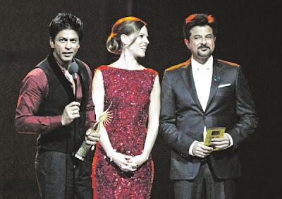 Gambar Shahrukh Khan Menang Aktor Terbaik Oscar Bollywood