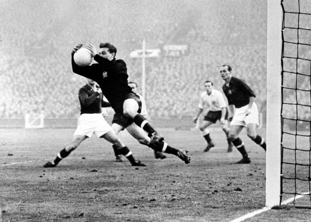 Wembley stadion, Aranycsapat, elhalálozás, Grosics Gyula, az évszázad mérkőzése