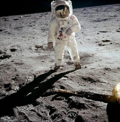 Buzz Aldrin en la superficie lunar
