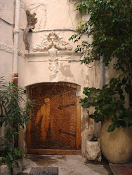 Porte sculptée-Vieil Antibes