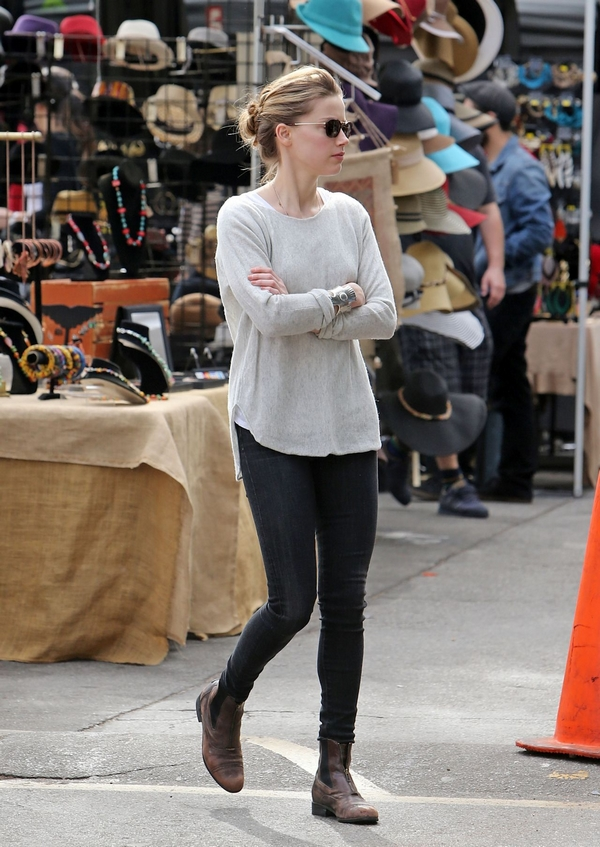 Amber Heard casual look