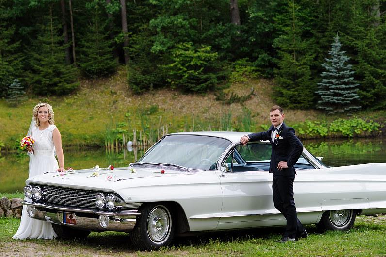 vestuvinis baltas kadilakas