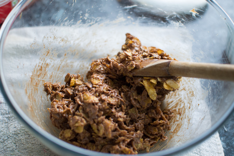 MARS BAR CORNFLAKE CAKES RECIPE FOR EASTER