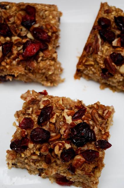 GillyCakes: Vegan Apple Pecan Oatmeal Bake