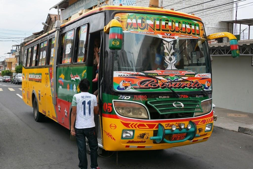 Montecristi bus