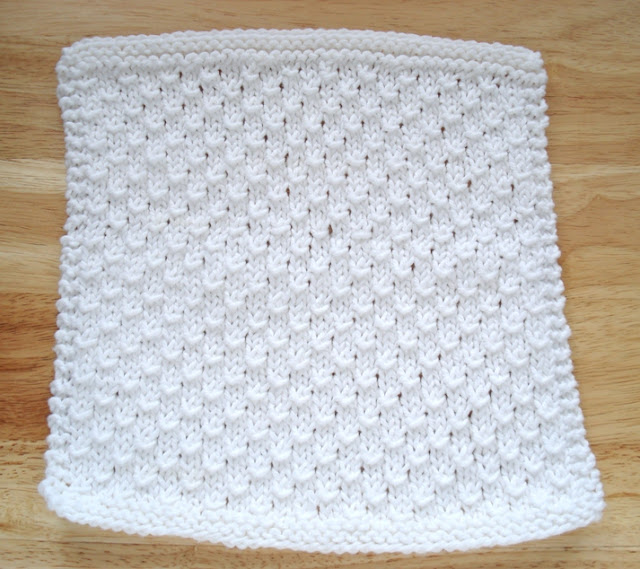 more than a dozen dishcloths vanilla
