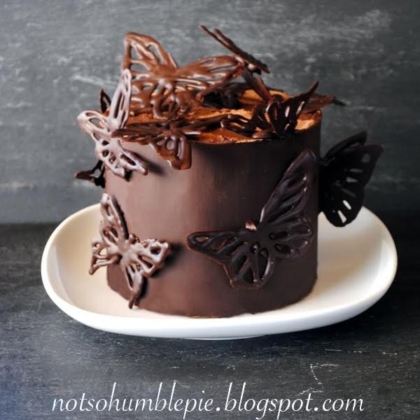 Chokolade-kage med sommerfugle