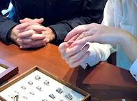 結婚指輪のデザインはシンプルにこだわりました。