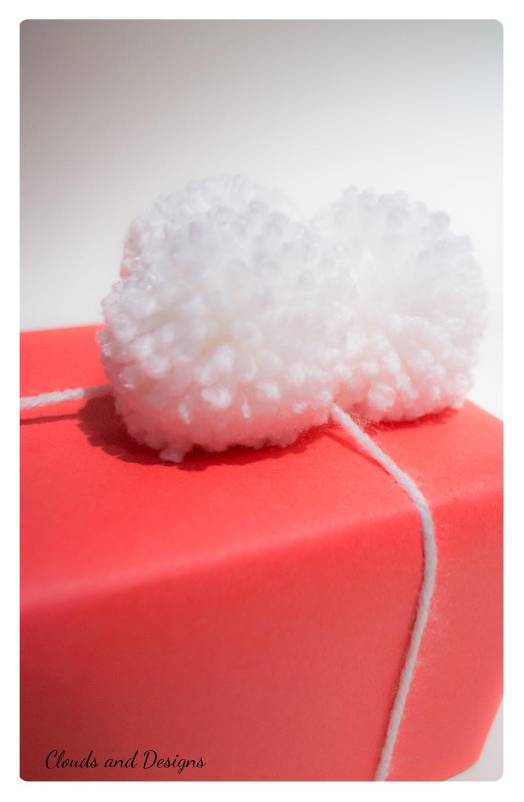 Adviento bloggero dia 17 Envolver Pompones
