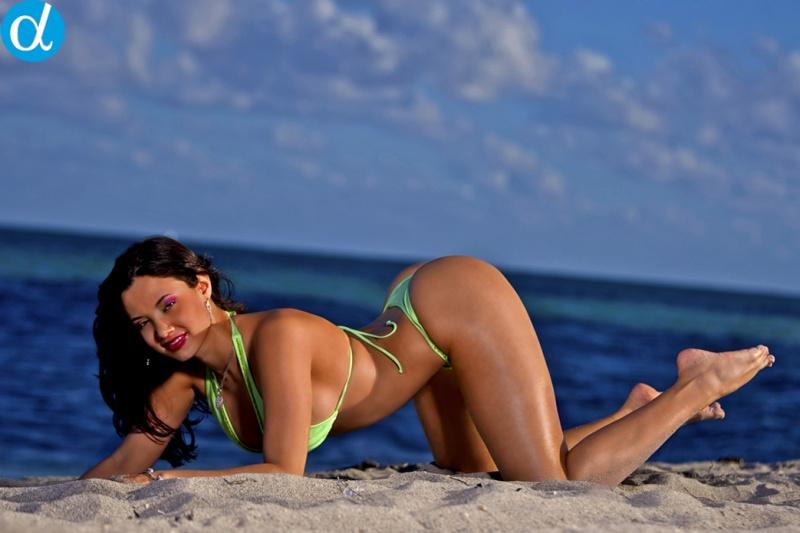 bikini+con+aniley+perez
