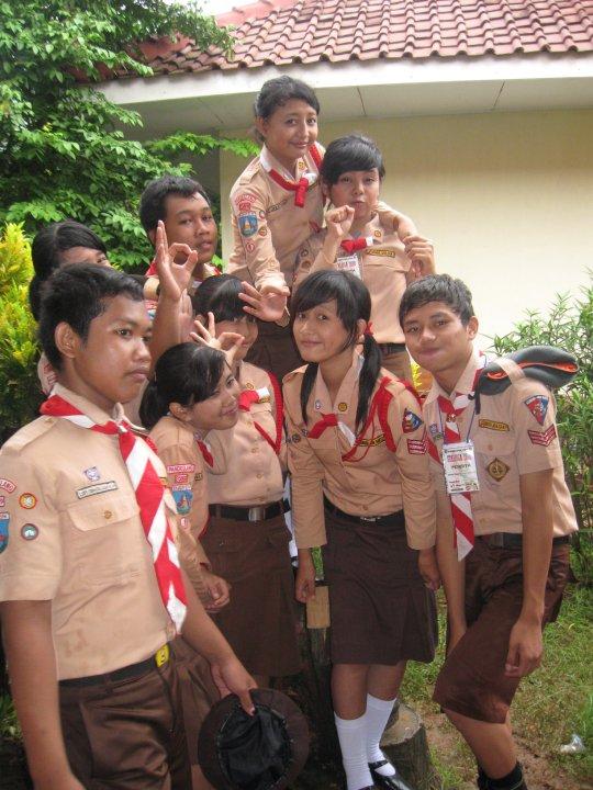 Pemimpin yang baik terlihat dari cara berpakaian seragam Pramukanya