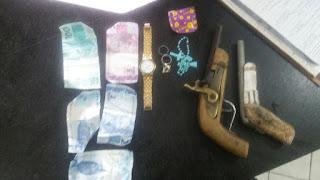 Em Humberto de Campos policiais militares tira de circulação três bandidos e apreende armas