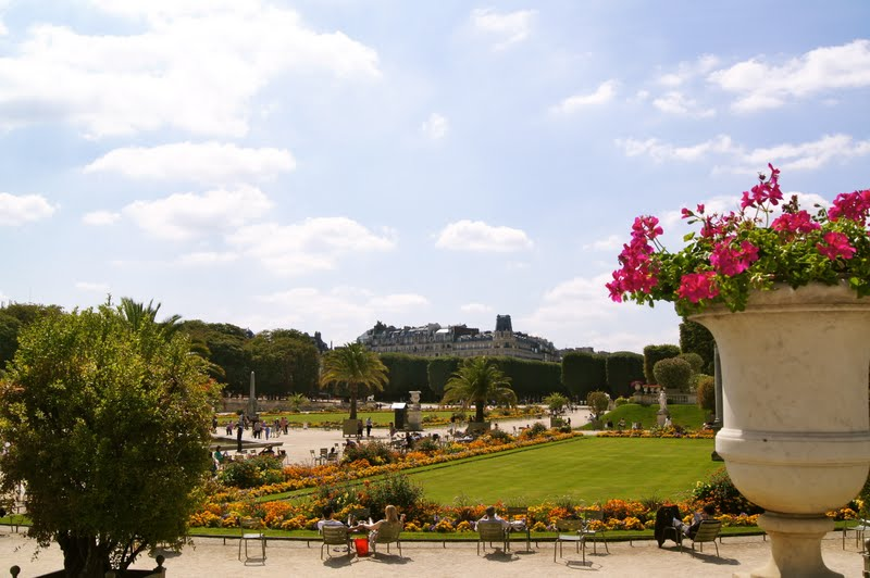Baby nierengarten diaries luxembourg gardens more churches and our hotel in paris for Hotels near luxembourg gardens