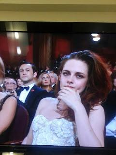 Kristen Stewart - Imagenes/Videos de Paparazzi / Estudio/ Eventos etc. - Página 31 BD7X8VnCIAAFggr