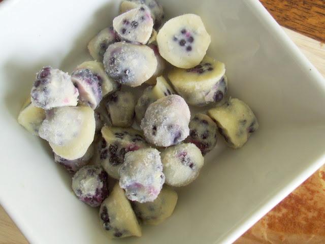 Frozen Yoghurt Coated Blackberries