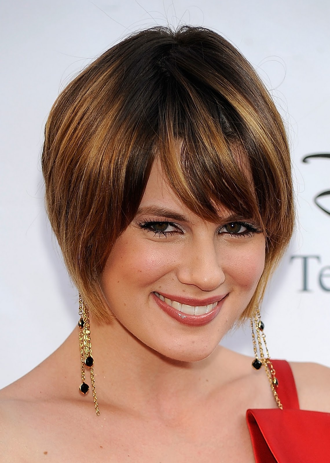 style fashion celebrity cute short hair styles title=