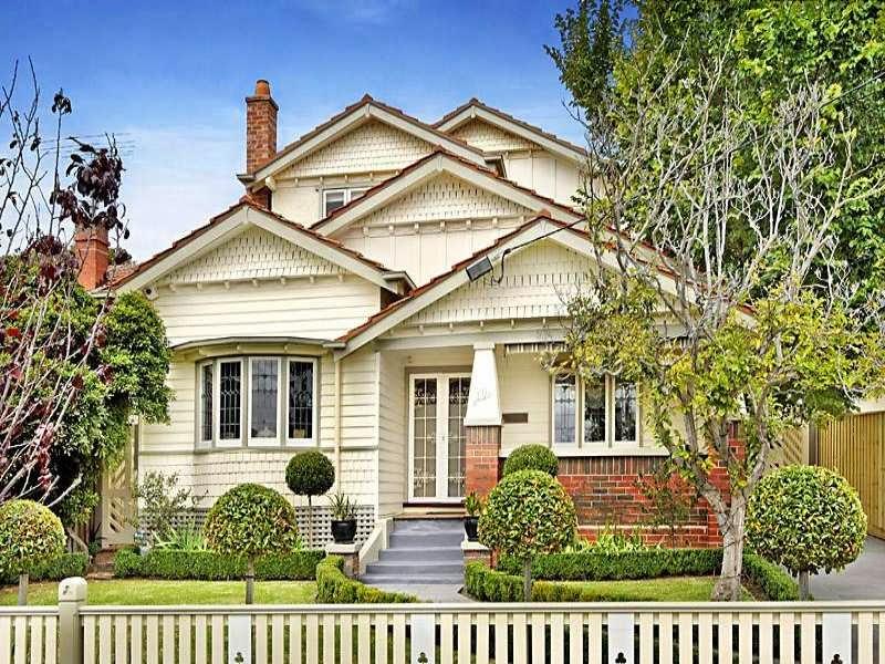 10 Bungalows Californiano, Exterior De La Casa Con Ventanas Y