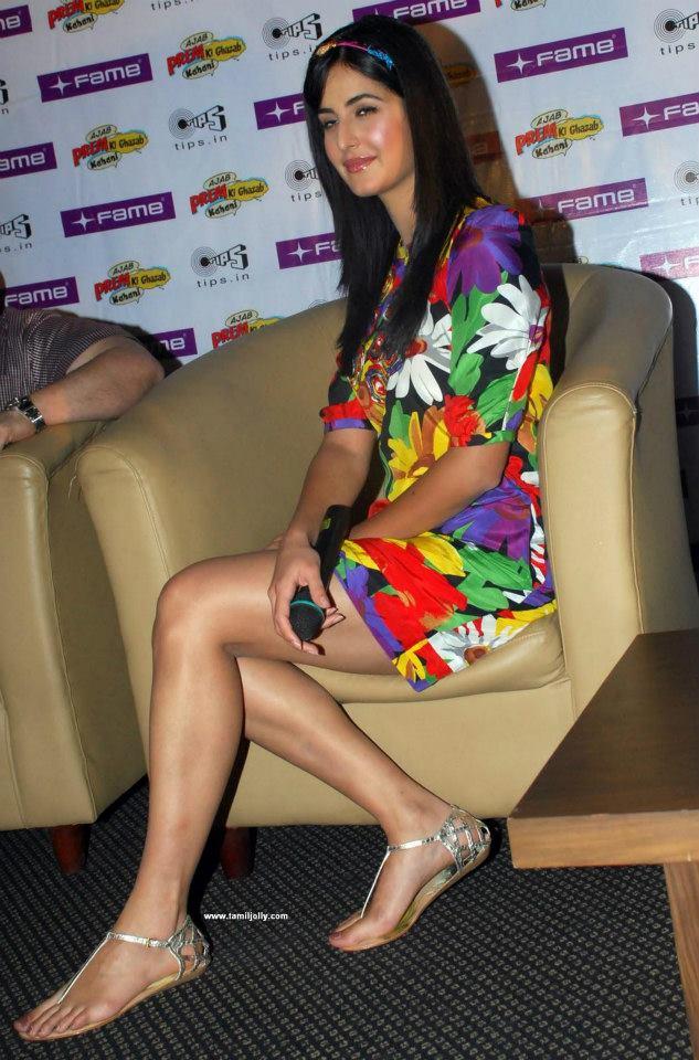 katrina+kaif+upskirt Bollywood Actresses Oops and Panty Upskirts