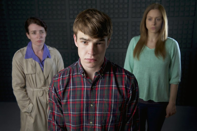 Margaret Ward (SUSAN LYNCH), Johnjo O'Shea (NICO MIRALLEGRO), Coleen O'Shea (JODHI MAY)