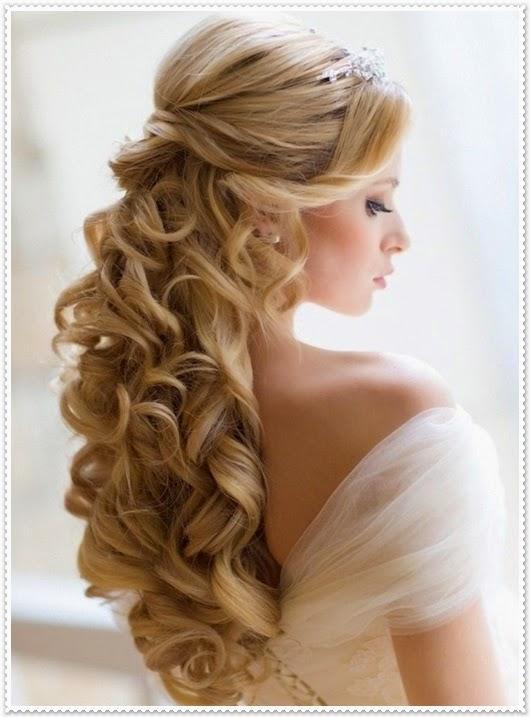 Wellenförmige Hochzeitsfrisur 2015