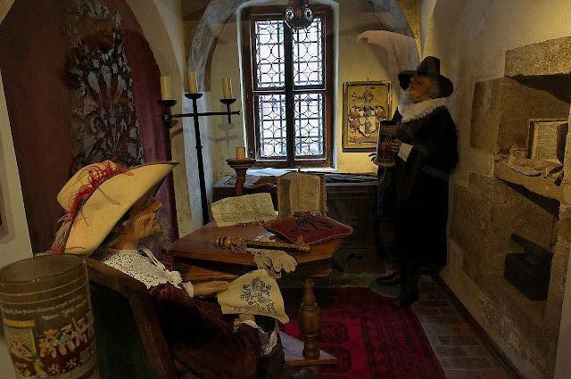Cena da vida burguesa em Rothenburg ob der Tauber.