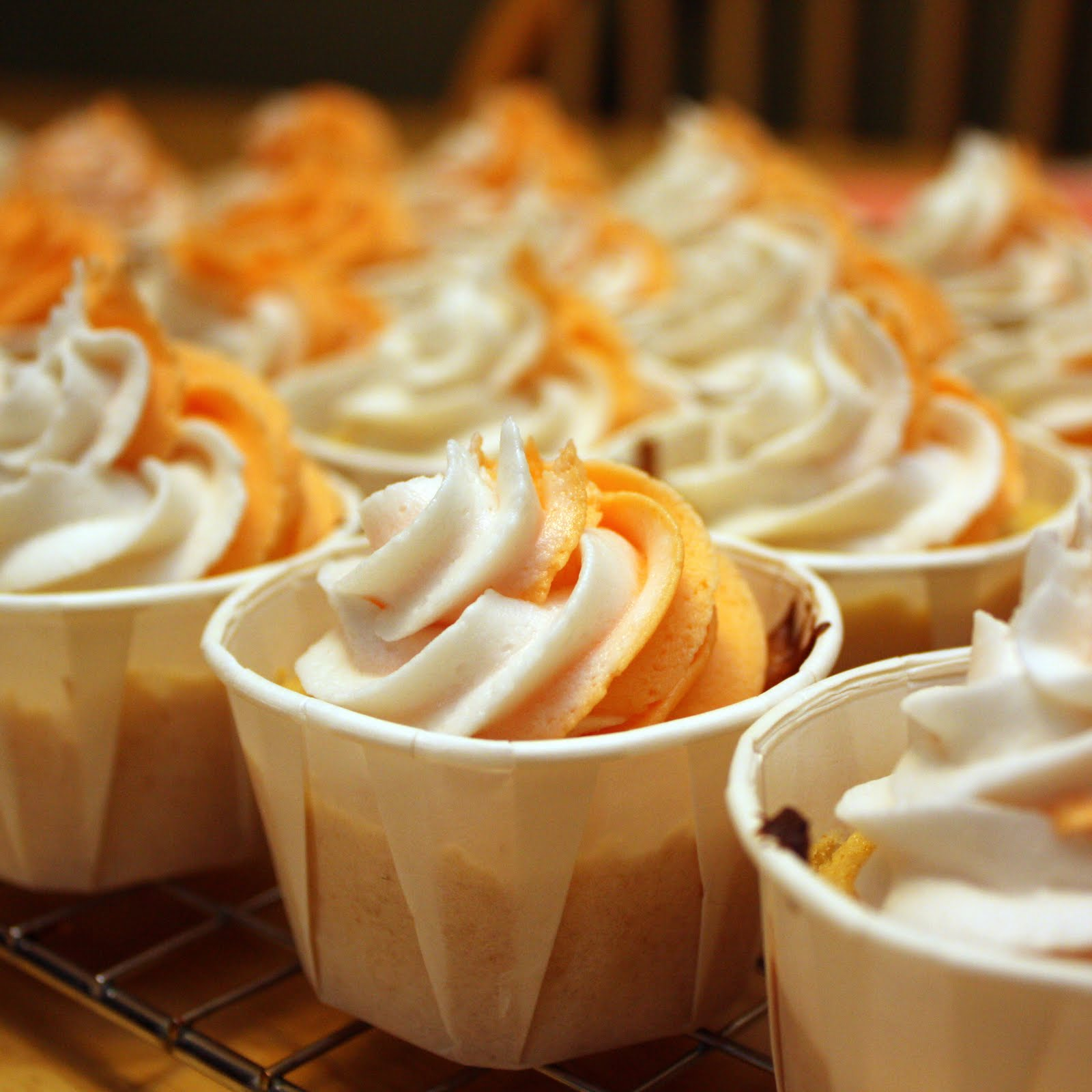 The Doctor's Dishes, Desserts & Decor: Orange Creamsicle Cupcakes