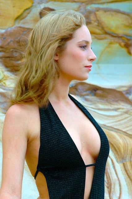 Janneke Black one-piece 3