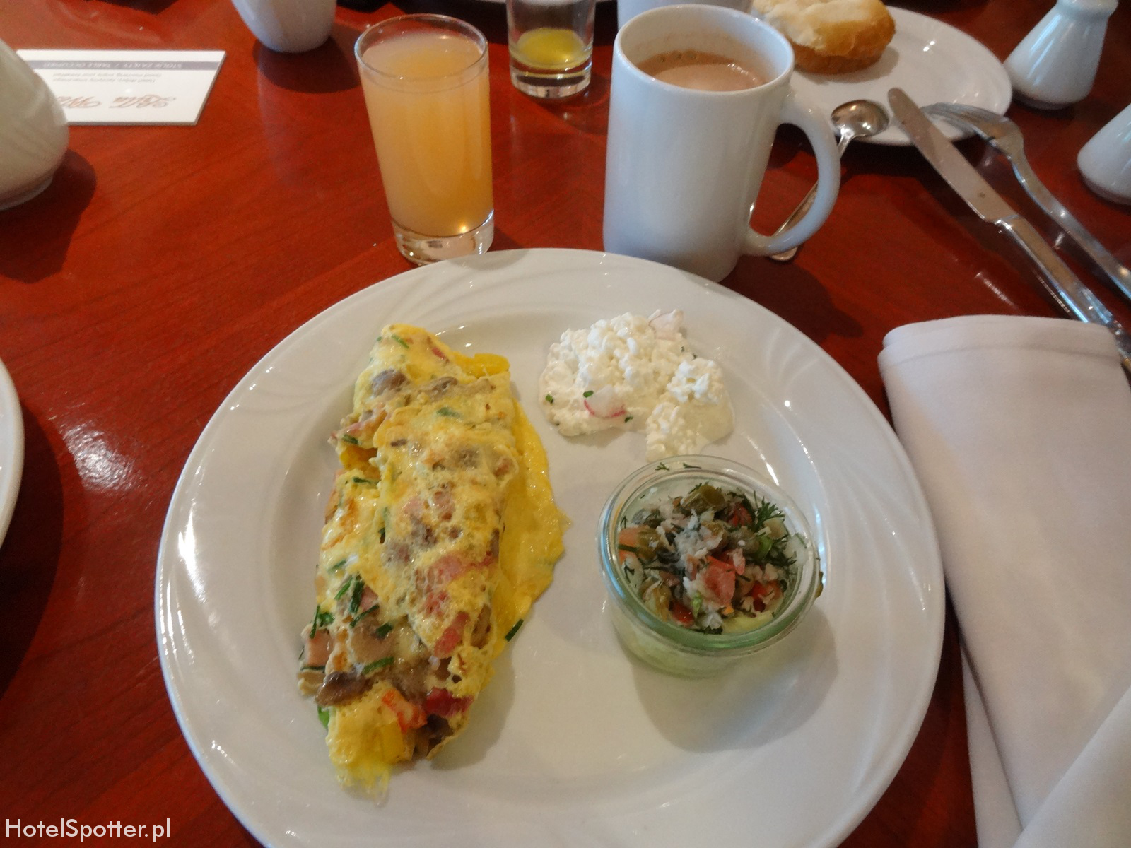 Hotel Marriott Warszawa - omlet na sniadanie