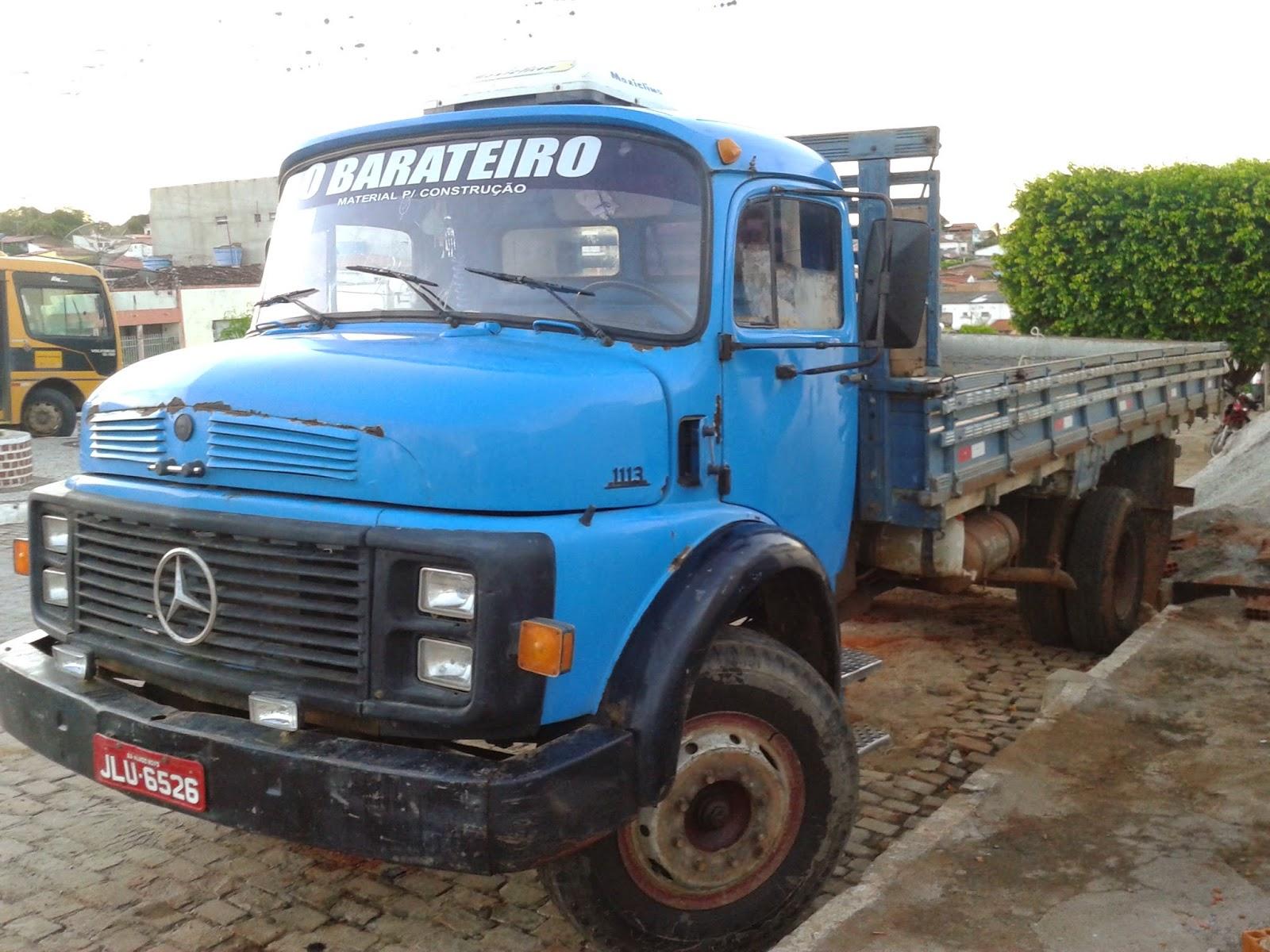 Vende-se um caminhão 1113, em Mairi
