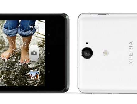 Sony Xperia V Smartphone Tahan Air