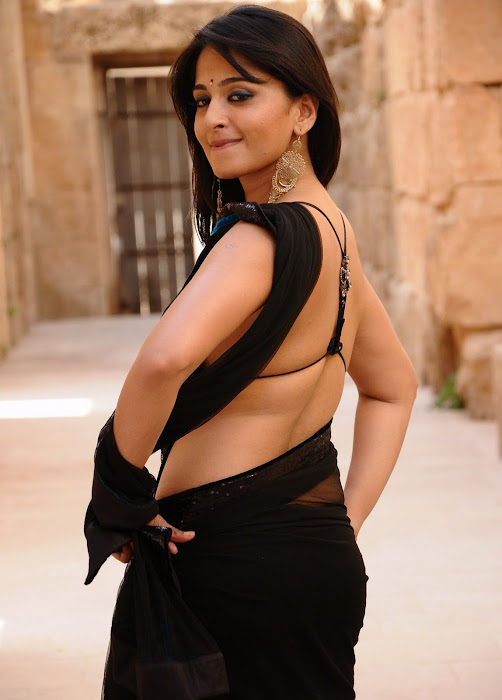 anushka bare back in black saree