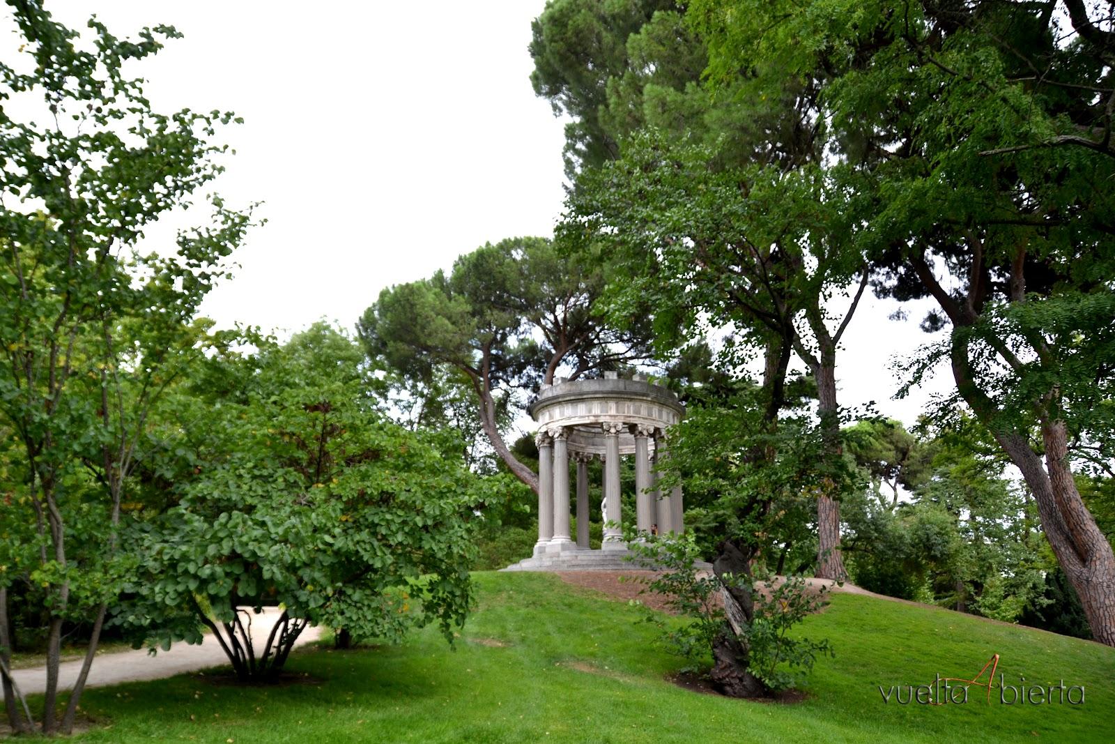 Vuelta abierta blog de viajes jard n el capricho madrid for Jardines el capricho
