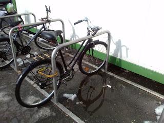 Maksimum funcjonalności, minimum kosztów -<br/>- idealny stojak rowerowy
