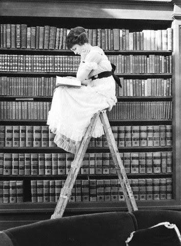 biblioteca jurídica y filosófica
