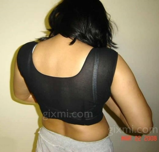 Bollywood Actress Photos: Blouse Back Photos Of Indian Hot Aunties